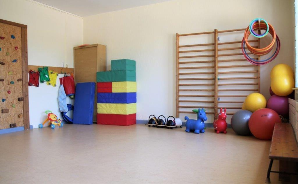 Sportraum mit Geräten